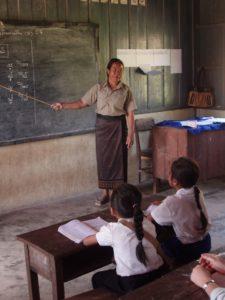 Enseignante lao à l'école primaire